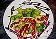 Halloumi mit frischem Salat