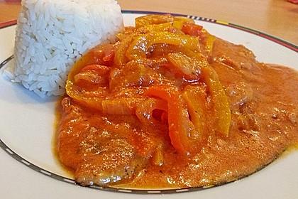 Schnitzel in Paprika - Rahmsauce 3