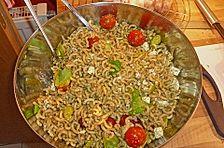 Nudelsalat mit Pesto alla Genovese
