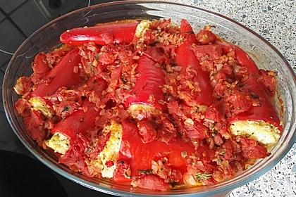 Gefüllte Spitzpaprika mit Couscous 32