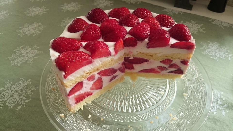 Erdbeer torte 2 stockig