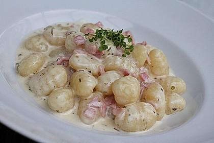 Gnocchi in Käse - Sahne - Soße