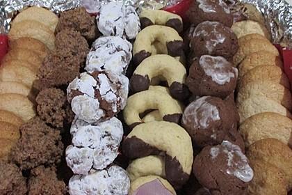 Feine Mandelwölkchen aus Marzipan (Bild)