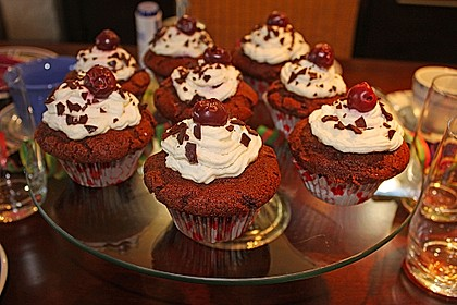 Schwarzwälder Kirsch Cupcakes 76