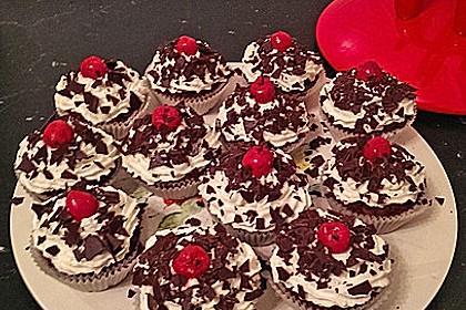 Schwarzwälder Kirsch Cupcakes 157
