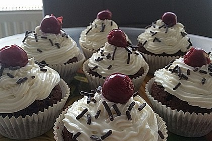 Schwarzwälder Kirsch Cupcakes 163