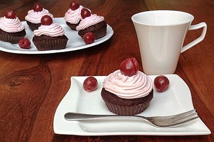 Schwarzwälder Kirsch Cupcakes 21