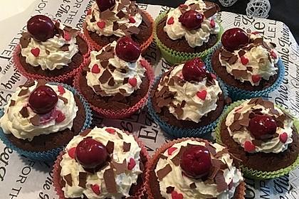 Schwarzwälder Kirsch Cupcakes 42