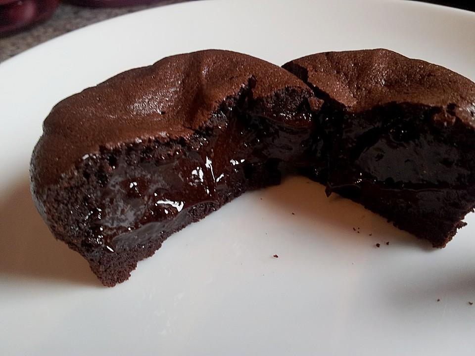 chocolate lava muffins rezept mit bild von eisw rfelchen. Black Bedroom Furniture Sets. Home Design Ideas