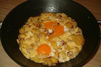 Bratkartoffeln mit Ei und Käse 13
