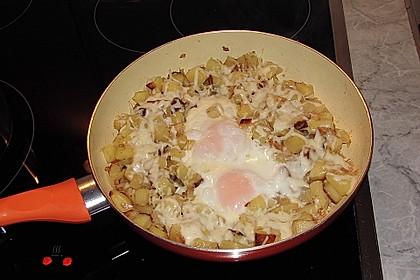 Bratkartoffeln mit Ei und Käse 17