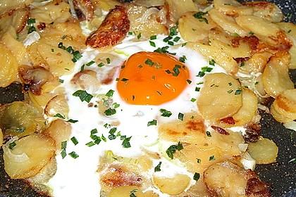 Bratkartoffeln mit Ei und Käse 9