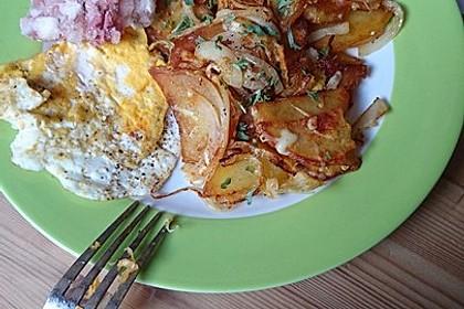 Bratkartoffeln mit Ei und Käse 10