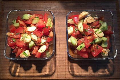 Tomaten - Mozarella - Gurken - Salat 10