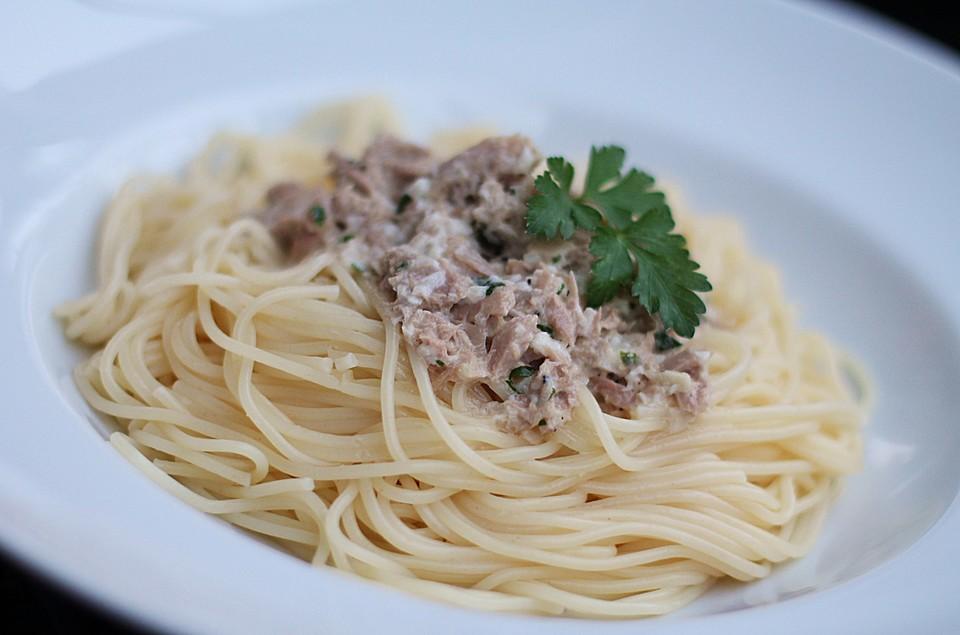 spaghetti mit wei wein thunfisch sauce rezept mit bild. Black Bedroom Furniture Sets. Home Design Ideas