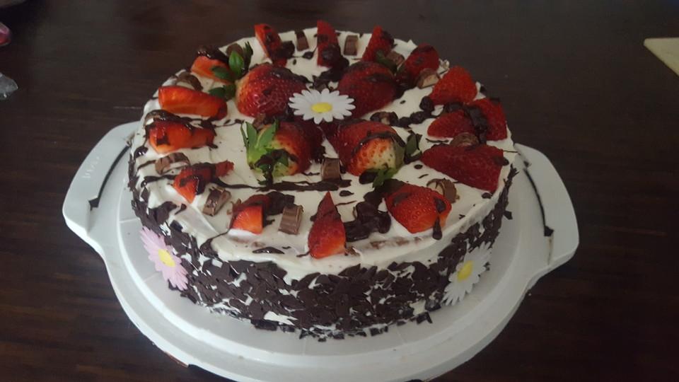 schnelle erdbeer mascarpone torte rezept mit bild. Black Bedroom Furniture Sets. Home Design Ideas