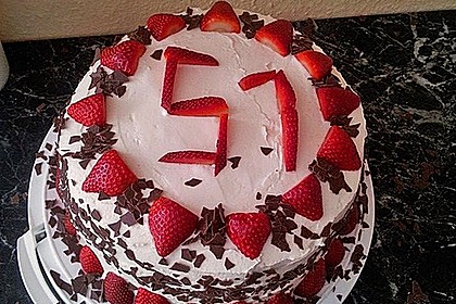 Schnelle Erdbeer - Mascarpone - Torte 4