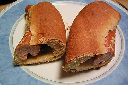 Wienerle im Brötchenteig 10