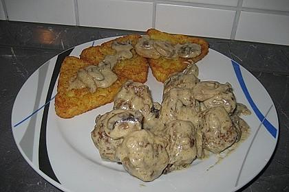 Köttbullar mit Champignon-Rahmsauce 60