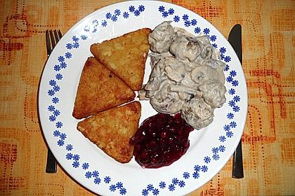 Köttbullar mit Champignon-Rahmsauce 70