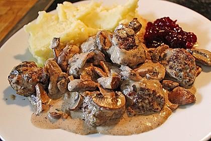Köttbullar mit Champignon-Rahmsauce 7