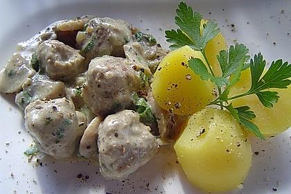 Köttbullar mit Champignon-Rahmsauce 23