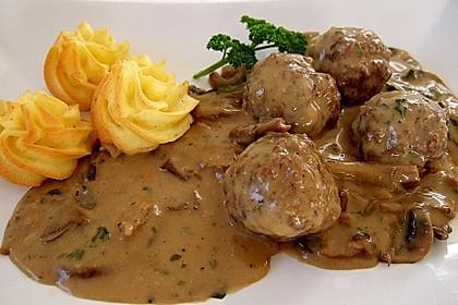 Köttbullar mit Champignon-Rahmsauce 1
