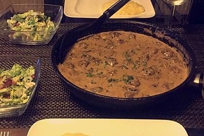 Köttbullar mit Champignon-Rahmsauce 29