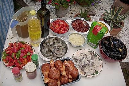 Meeresfrüchte - Paella auf dem Schwenkgrill über Holzkohle 2