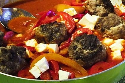 Chilibällchen mit Fetakäse und Paprikagemüse 6