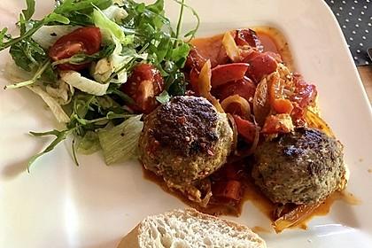Chilibällchen mit Fetakäse und Paprikagemüse 3