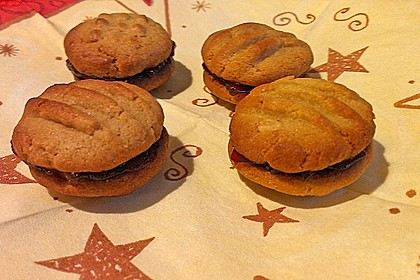 Peanutbutter and Jelly Cookies 1