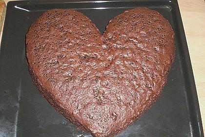 Mineralwasser  - Schokoladenkuchen