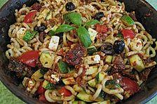Zucchini - Nudelsalat