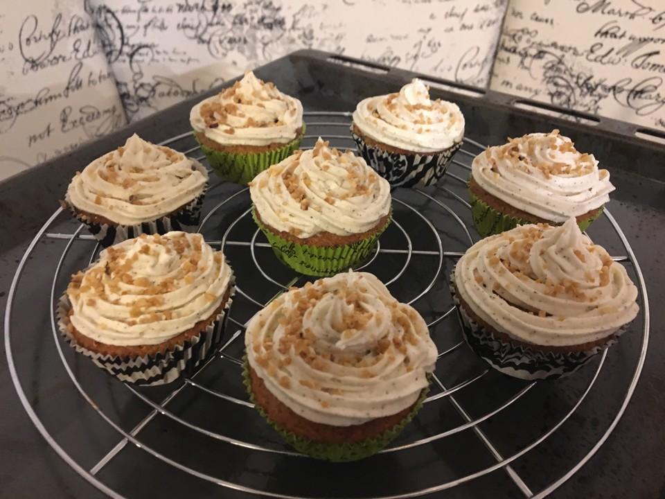 cupcakes mit nuss rezept mit bild von farinakochenspa. Black Bedroom Furniture Sets. Home Design Ideas
