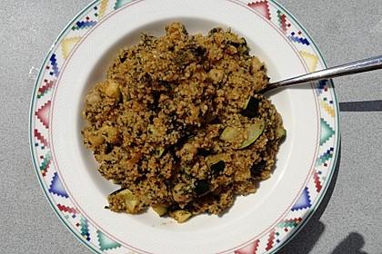 Couscous mit Zucchini, Kichererbsen und Blattspinat 13