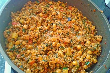 Couscous mit Zucchini, Kichererbsen und Blattspinat 18
