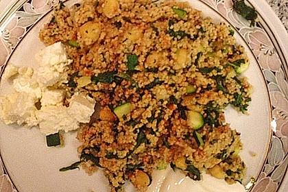 Couscous mit Zucchini, Kichererbsen und Blattspinat 19