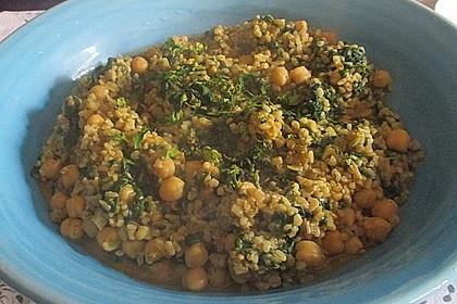 Couscous mit Zucchini, Kichererbsen und Blattspinat 17