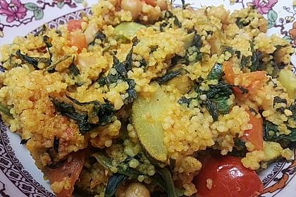 Couscous mit Zucchini, Kichererbsen und Blattspinat 3
