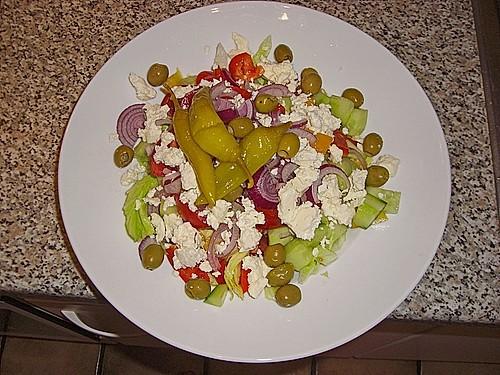griechischer salat mit gurken und paprika rezept mit bild. Black Bedroom Furniture Sets. Home Design Ideas