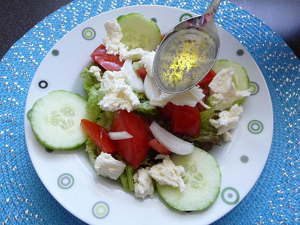 Salat mit gurken und paprika
