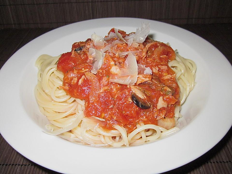 spaghetti mit thunfisch in tomatensauce von die flinke. Black Bedroom Furniture Sets. Home Design Ideas