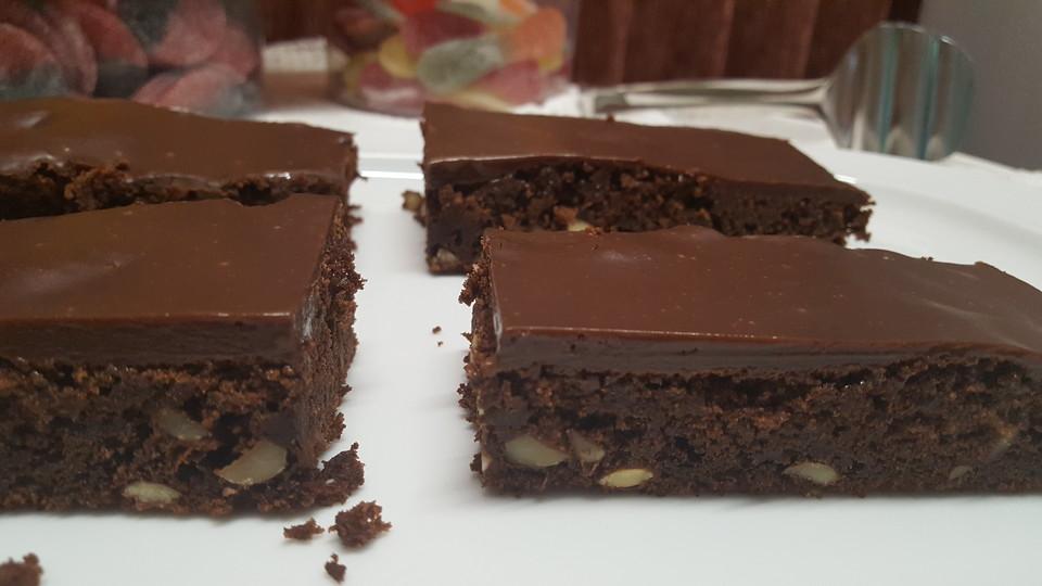 Sagenhafte Brownies mit Zucchini von knusperflocken | Chefkoch.de