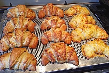 Croissants und Pains au chocolat 13