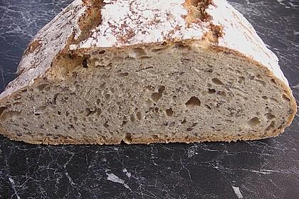 Rustikales Brot im Bräter 43