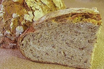 Rustikales Brot im Bräter 63