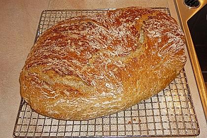 Rustikales Brot im Bräter 82