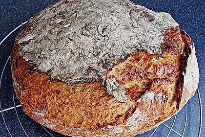 Rustikales Brot im Bräter 77