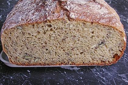 Rustikales Brot im Bräter 51